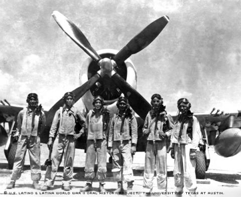 Reynaldo Perez Gallardo (second from right) poses with other member sof the Mexican Fighter squadron in 1945.